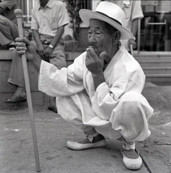 spielende männer, kongju, südkorea 1991