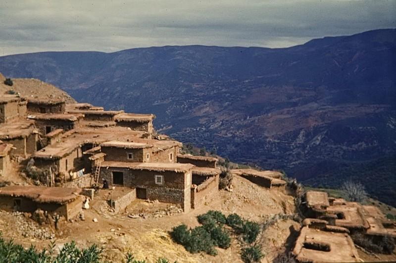 berbersiedlung im hohen atlas, marokko 1968