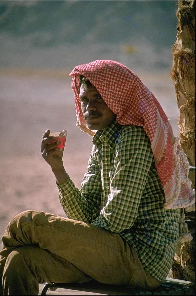 teepause im sinai, israel, 1978
