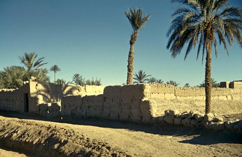 stadtmauer im großen süden, marokko 1969