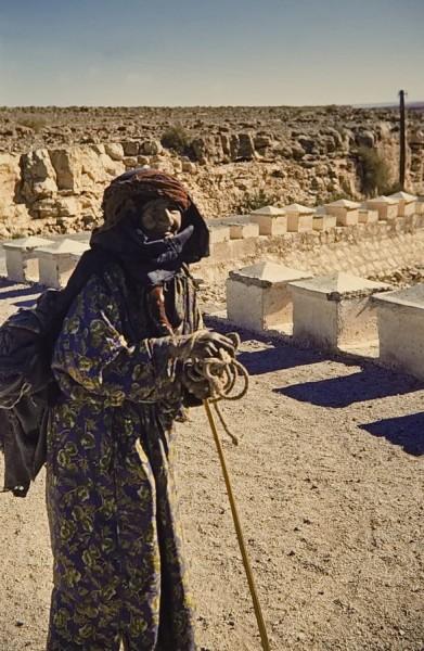 alte frau am oued draa, marokko 1969
