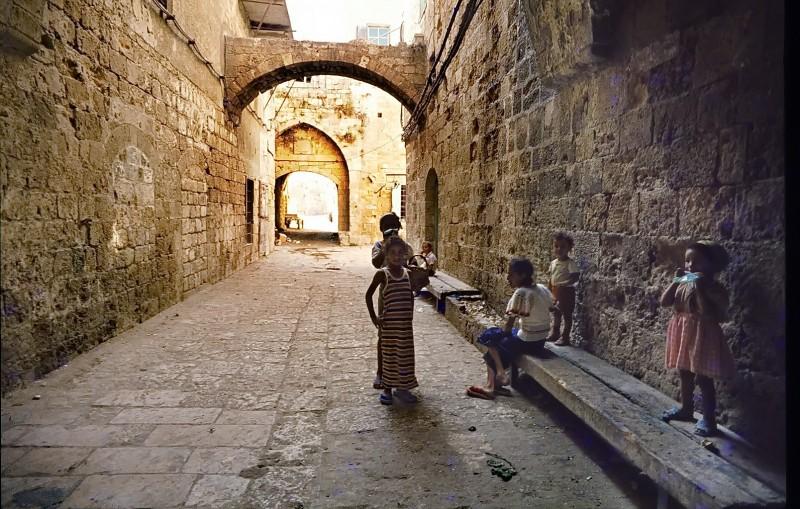 kinder in der altstadt akko, israel 1978