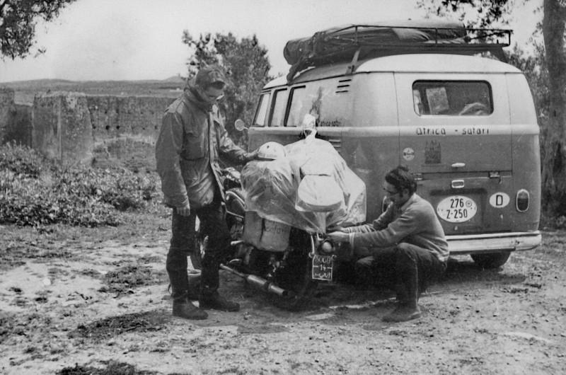 friedhelm + helmut, abschied in fez, marokko, 28.4.1969