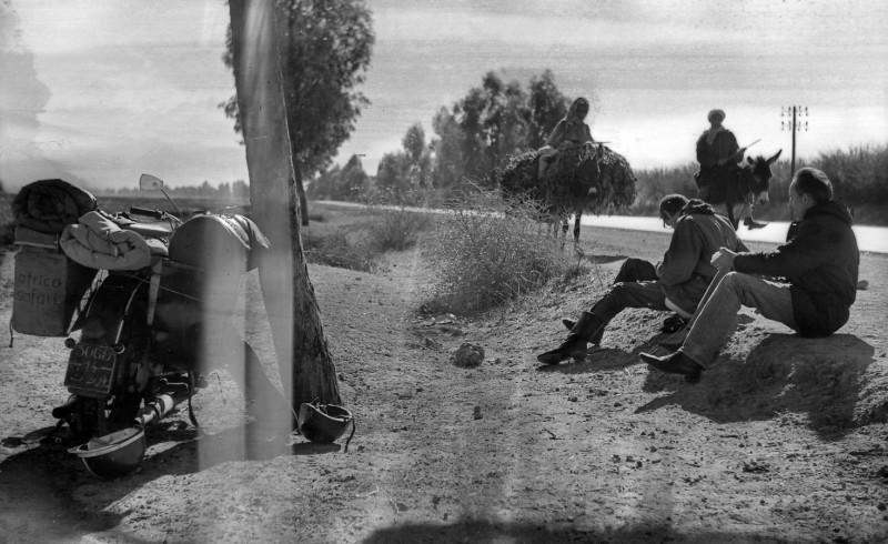 im großen süden, pause am straßenrand, marokko 1969