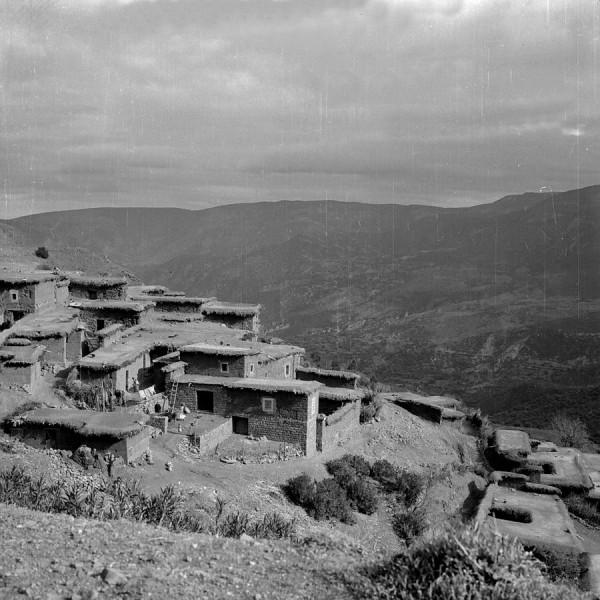 berbersiedlung im hohen atlas,  marokko 1969