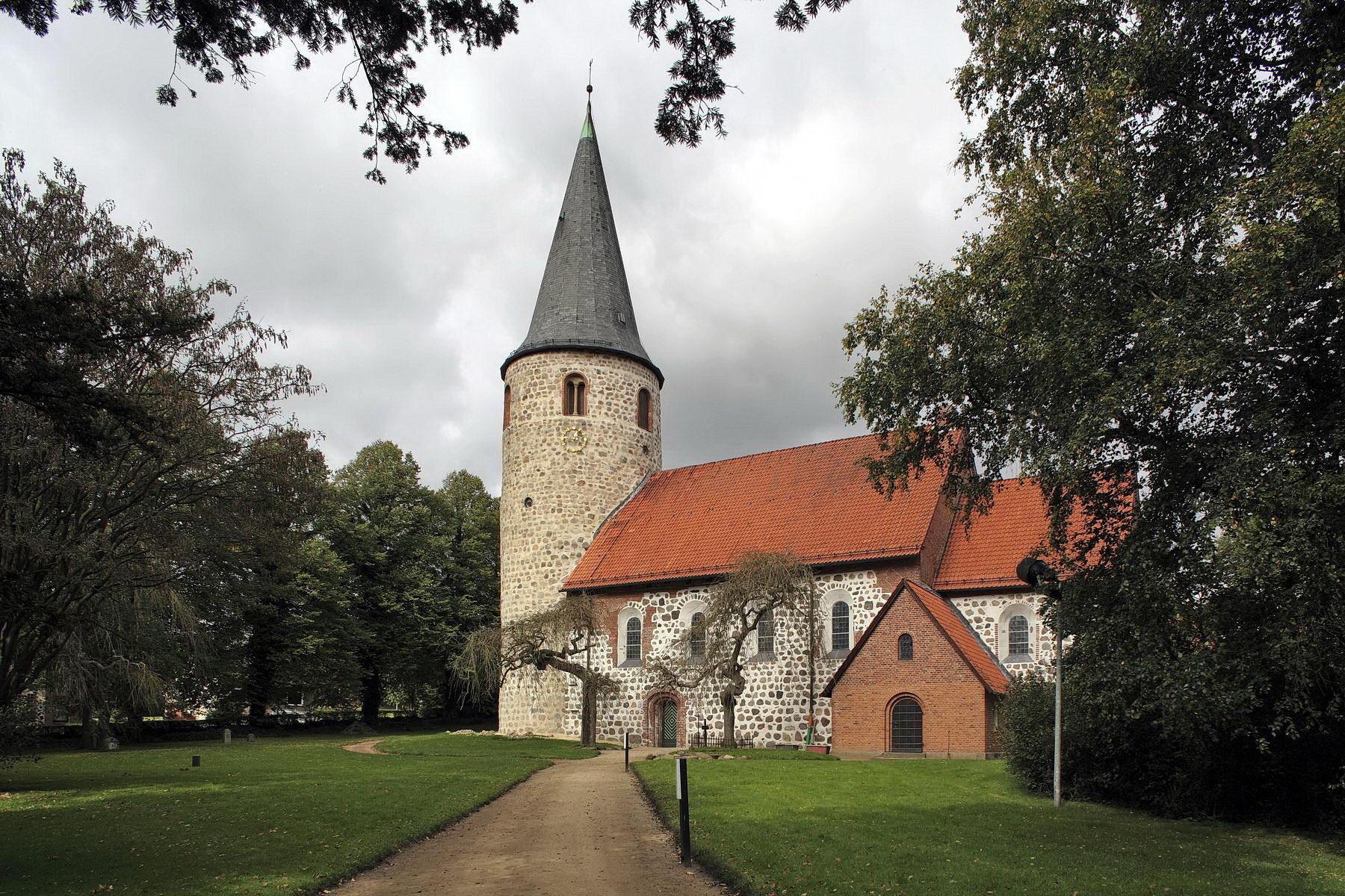 OH, Malente, Neukirchen, Saseler Weg, Kirche St. Johannis