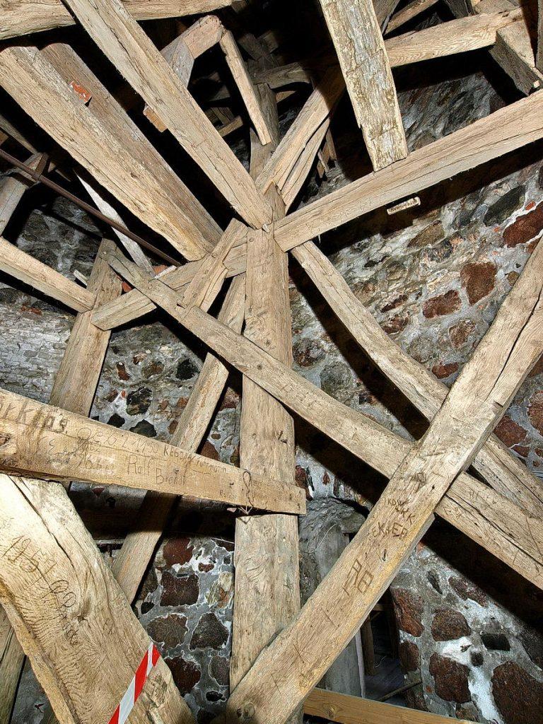 ratekau, kirchturm, untere ebene des hauptgerüstes, 2009
