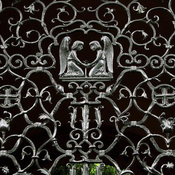 neumünster, anscharkirche, vorhallengitter, detail, 2004