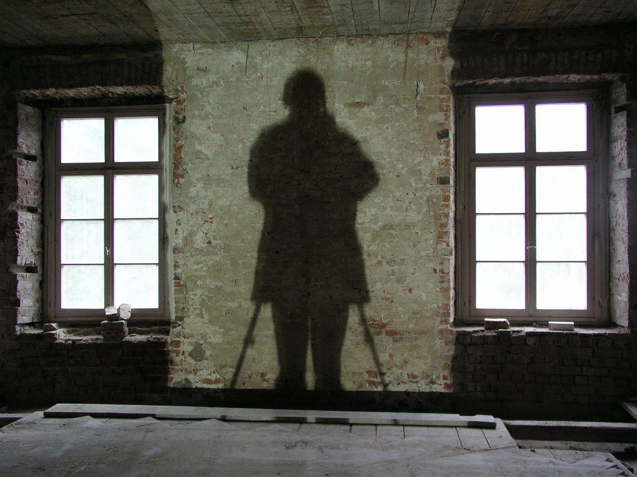 nütschau, herrenhaus, baustelle innen, EG, schatten-selbstporträt, 2003